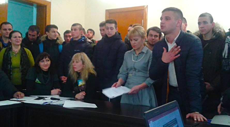 Степан Гурома праворуч