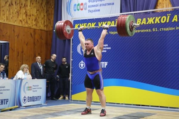u-cherngov-zavershivsya-kubok-ukrayini-z-vazhkoyi-atletiki_1